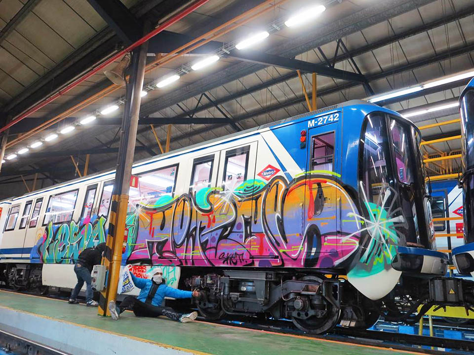 train subway graffiti writing madrid spain tiros losa
