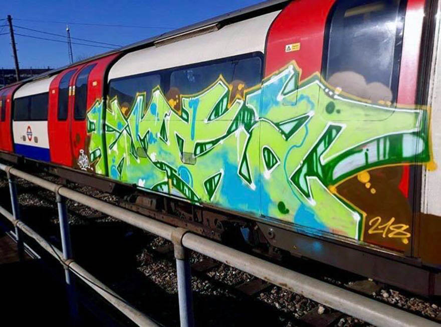 train subway graffiti writing london uk tube enta 2018