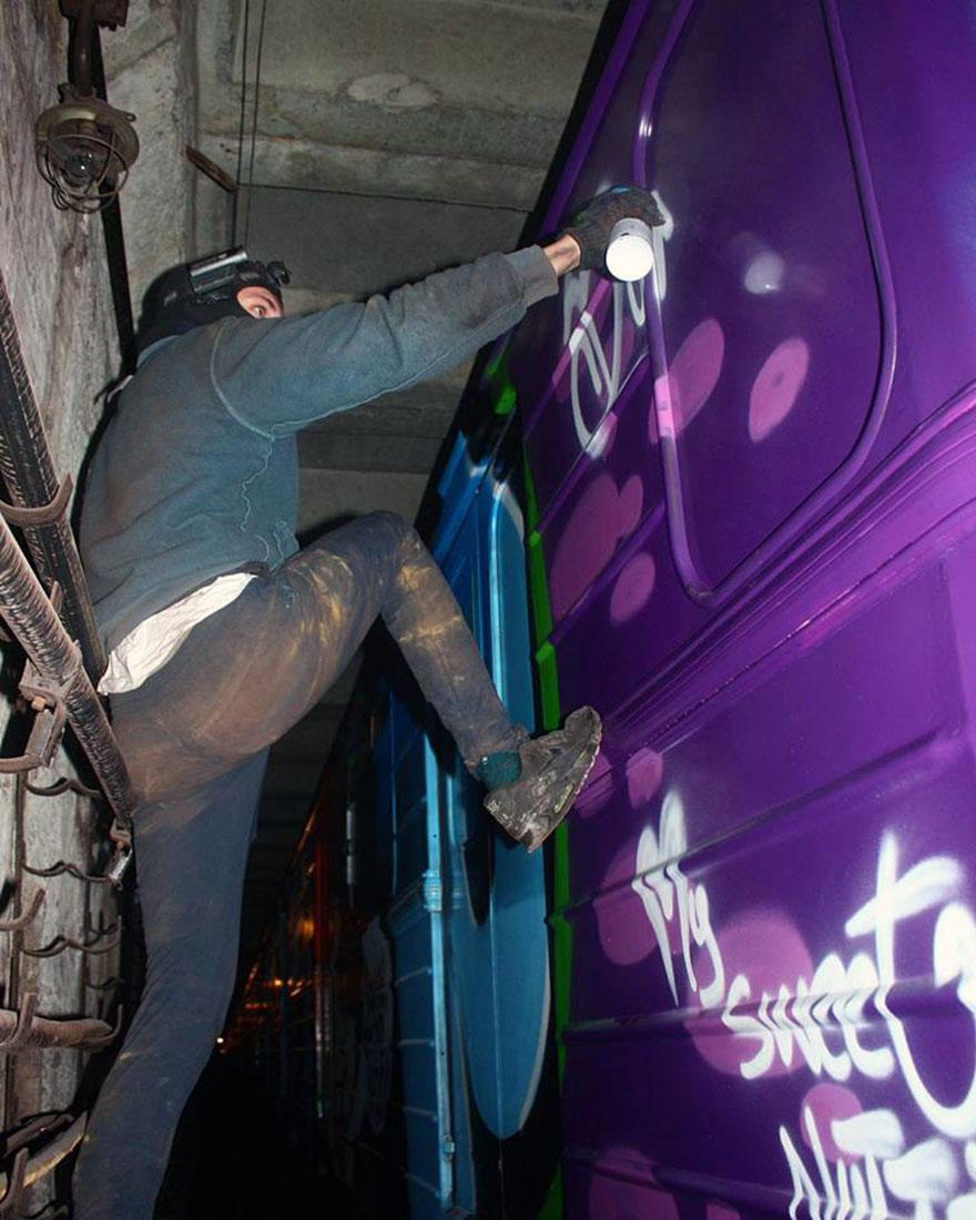 graffiti writing train subway art action