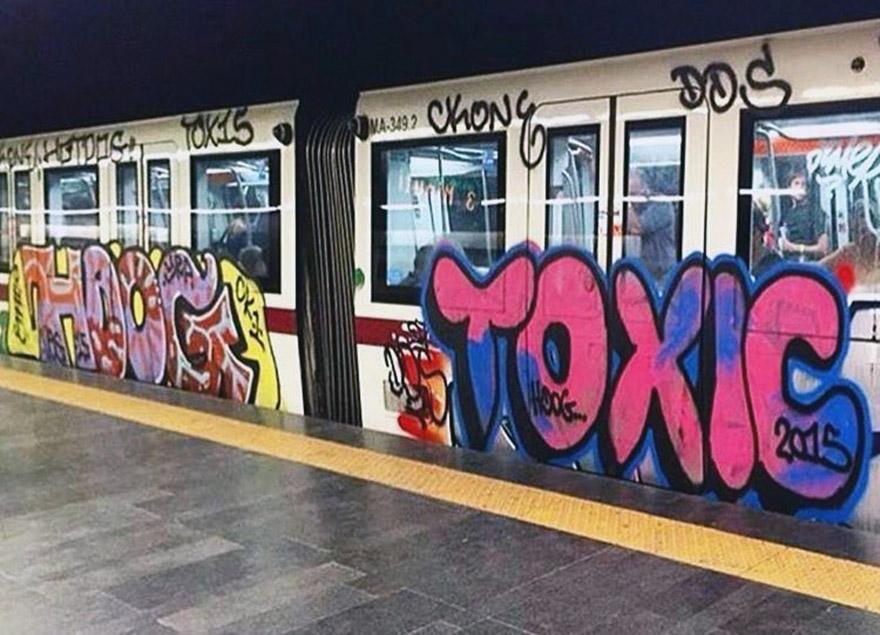 subway train graffiti writing rome italy tox hotdog 2015 running ckonerip
