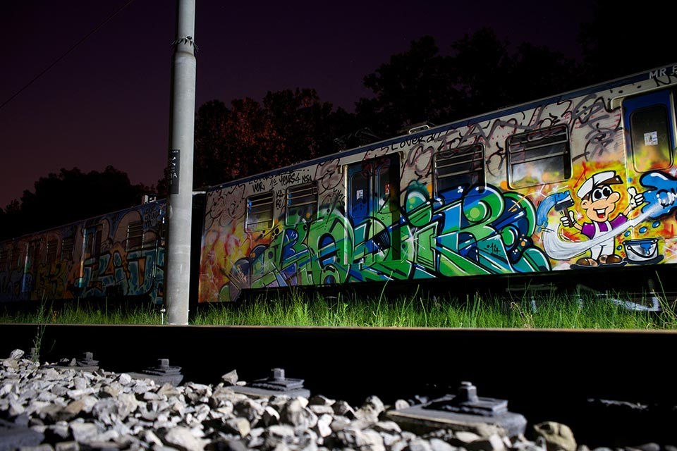 graffiti train subway writing rome italy lidoline