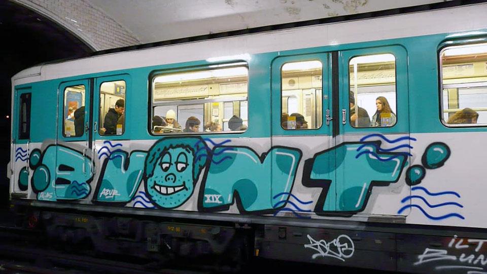 writing graffiti subway train subwayart paris france bunt
